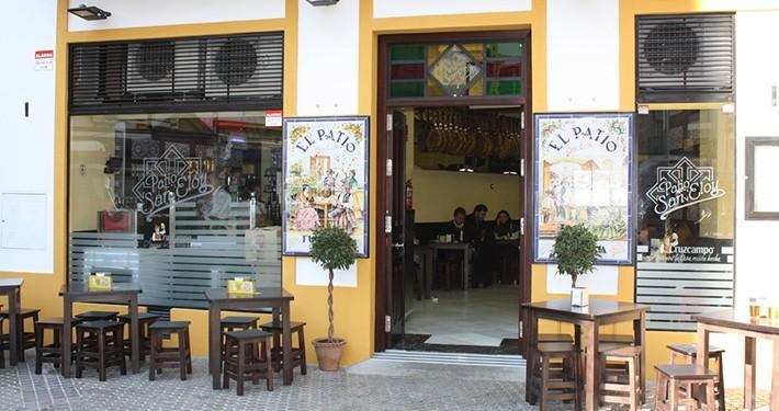 bares en sevilla patio san eloy